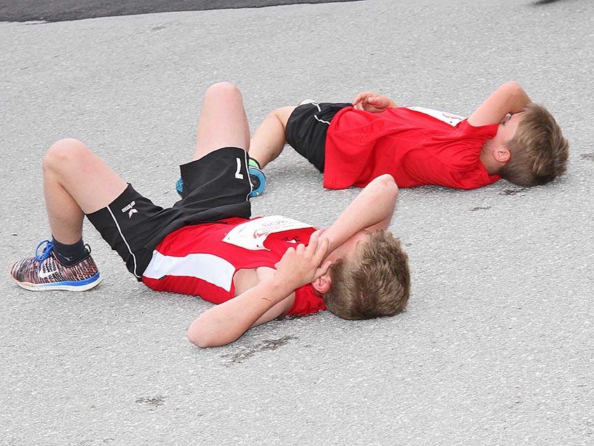 Kinder sollen sich im Sport durchaus regelmäßig auspowern, allerdings nicht im Ausdauerbereich. © Salzburg Marathon / Uwe Brandl